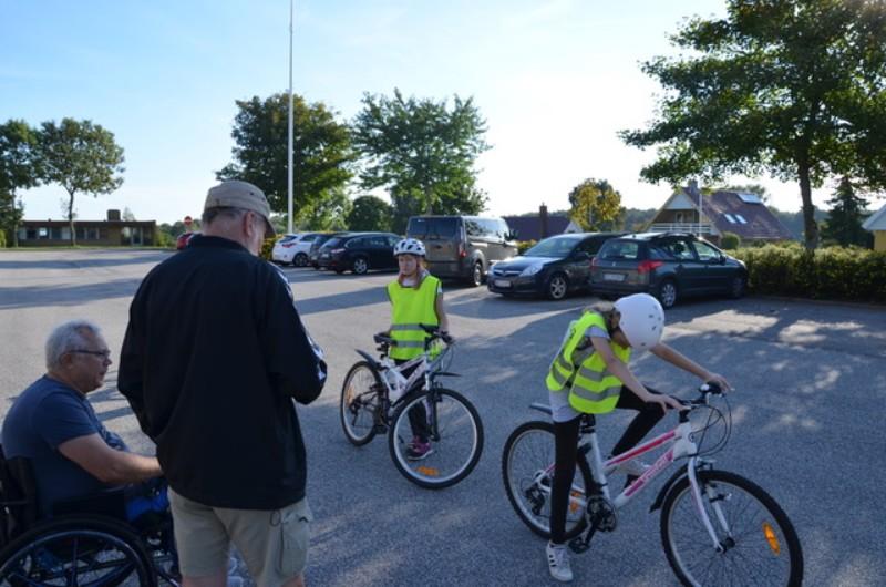 Tolv Artige Cyklister